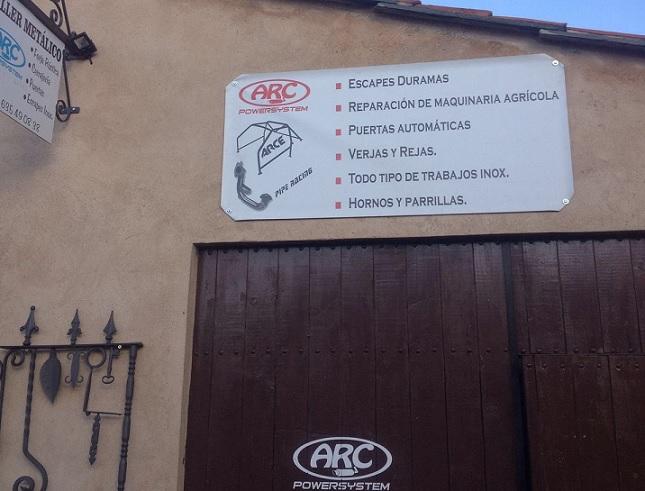Situado en la calle La Iglesia, nº2 - Valdespino de Somoza